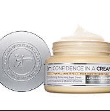 It Cosmetics Confidence in a Cream Transforming Moisturizing Super Cream uploaded by Karen R.