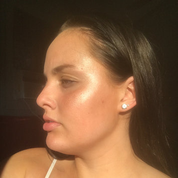 Benefit Cosmetics Sun Beam Highlighter uploaded by Alexis B.