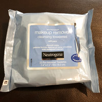 Neutrogena® Makeup Remover Cleansing Towelettes uploaded by Adriana P.