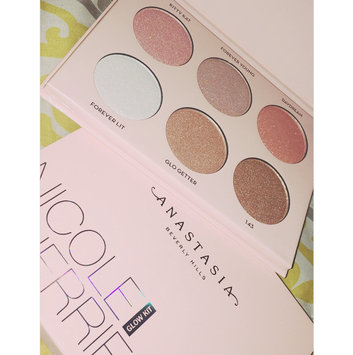 Anastasia Beverly Hills Nicole Guerriero Glow Kit uploaded by Diana Y.
