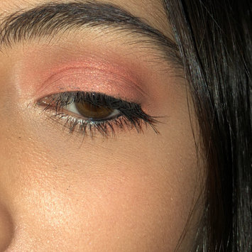 Photo of Huda Beauty Textured Eyeshadows Palette Rose Gold Edition uploaded by Daniella S.