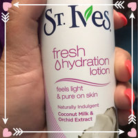 St. Ives Oatmeal & Shea Butter Fresh Hydration™ Lotion Spray uploaded by Grace B.