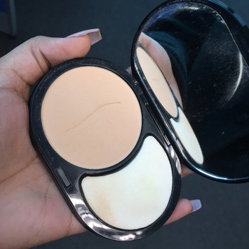 Photo of SEPHORA COLLECTION 8 HR Mattifying Compact Foundation uploaded by Yarisa S.