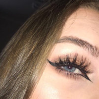 Huda Beauty Classic False Lashes Giselle 1 uploaded by Blogs and Products ✨.