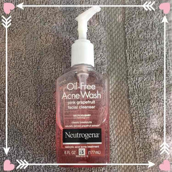 Neutrogena Oil-Free Pink Grapefruit Acne Wash Facial Cleanser uploaded by Anna F.