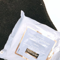 Neutrogena® Makeup Remover Cleansing Towelettes uploaded by Amery E.