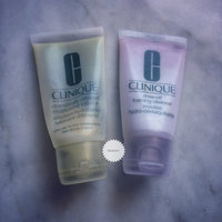 Clinique Cleansing 3, 4 Holiday Skincare Set uploaded by rozovy r.