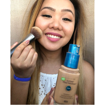 Photo of COVERGIRL Outlast Stay Fabulous 3-in-1 Foundation uploaded by Zerlaine P.