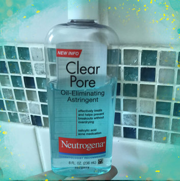 Photo of Neutrogena Clear Pore Oil-Controlling Astringent uploaded by Elizabet G.