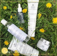 Kiehls Clearly Corrective Dark Spot Solution uploaded by Kaylee L.