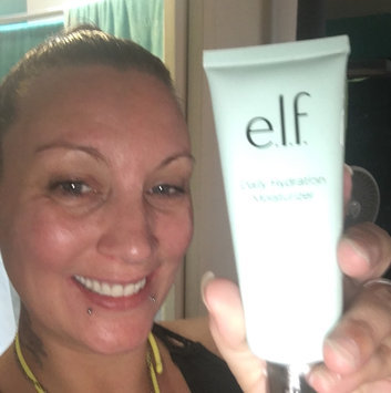 Photo of e.l.f Hydrating Serum uploaded by Maria L.