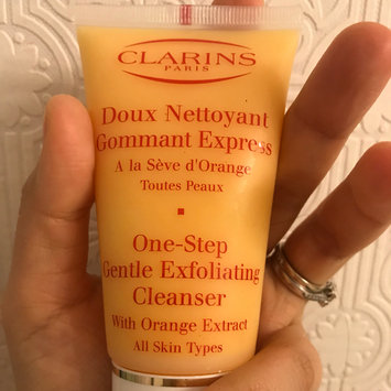 Photo of Clarins One Step Gentle Exfoliating Cleanser uploaded by Katerine K.