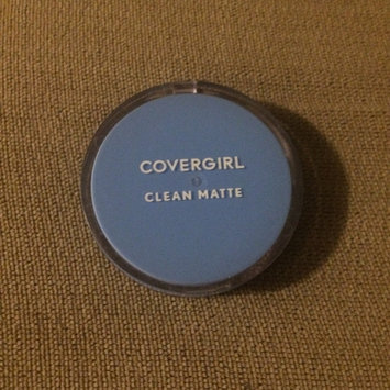 Photo of COVERGIRL Clean Matte Pressed Powder uploaded by Perla A.