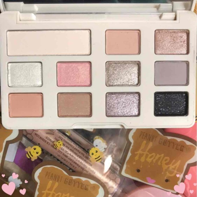 Too Faced White Chocolate Chip Eye Shadow Palette uploaded by Hannah S.