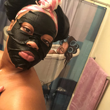 Photo of Yes To Tomatoes Detoxifying Charcoal Paper Mask uploaded by Khadijah N.