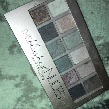 Maybelline New York Expert Wear The Blushed Nudes Shadow Palette uploaded by Paula H.