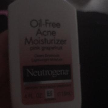 Neutrogena Oil-Free Acne Moisturizer uploaded by lizeth V.