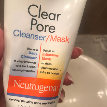 Photo of Neutrogena®  Clear Pore Cleanser/Mask uploaded by amela o.