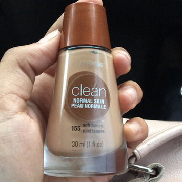 Photo of COVERGIRL Clean Liquid Makeup uploaded by Yarisa S.