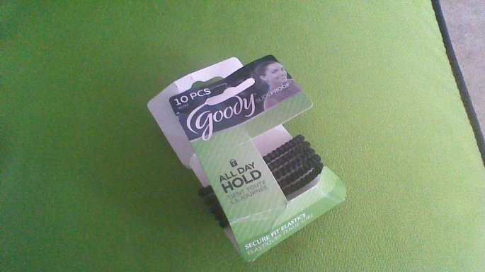 Goody 20Ct Thin Stay Put Black Elastics uploaded by Rossi C.
