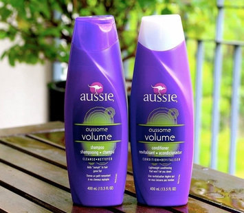Photo of Aussie Aussome Volume Shampoo uploaded by Caitlyn H.