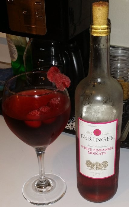 Beringer White Zinfandel Moscato Wine 750 ml uploaded by Serina P.
