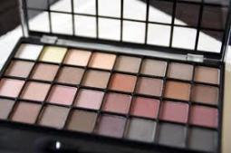 Photo of e.l.f. Studio Endless Eyes Pro Mini Eyeshadow Palette - Natural uploaded by Chelsee W.