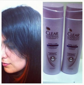 Photo of Clear Scalp & Hair Beauty Therapy Frizz-Control Nourishing Daily Conditioner uploaded by Nicole A.