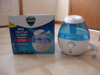 Vicks Mini Filter Free Cool Mist Humidifier uploaded by Emily L.