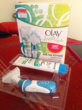 Photo of Olay Fresh Effects Va-Va-Vivid Powered Contour Cleansing System uploaded by Yari T.