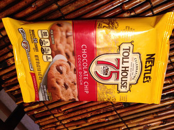 Photo of Nestlé® Toll House® Refrigerated Chocolate Chip Cookie Bar Dough uploaded by sharee b.