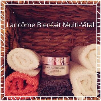 Photo of Lancôme BIENFAIT MULTI-VITAL - SPF 30 CREAM - High Potency Vitamin Enriched Daily Moisturizing Cream 1.69 oz uploaded by Aerial P.