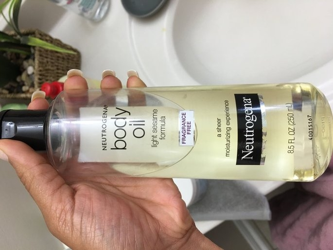 Neutrogena Light Sesame Formula Body Oil uploaded by Adriana m B.