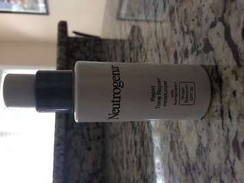 Neutrogena Rapid Tone Repair Moisturizer SPF 30 uploaded by JoAnn H.