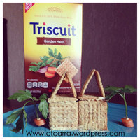 Nabisco Triscuit - Crackers - Baked Whole Grain Wheat Garden Herb uploaded by Carra D.