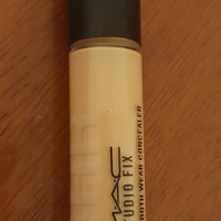 Estée Lauder Double Wear Stay-in-Place Flawless Wear Concealer uploaded by tem z.