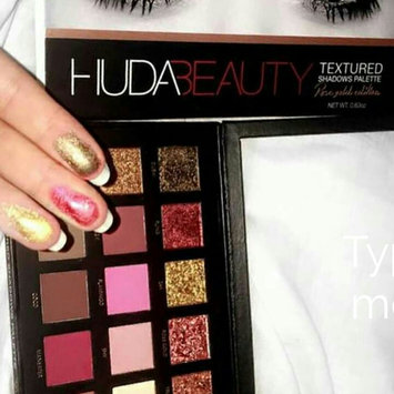 Huda Beauty Textured Eyeshadows Palette Rose Gold Edition uploaded by Bencherif A.