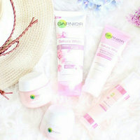 GARNIER Sakura White Pinkish Radiance Moisturizing Cream SPF21/PA++ Net wt 0.6 Oz or 18 ml. uploaded by hafsaa A.