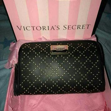 Victoria's Secret uploaded by Rahma I.