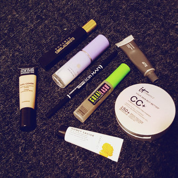 It Cosmetics Your Skin But Better CC+ Airbrush Perfecting Powder SPF50+ uploaded by Julie K.