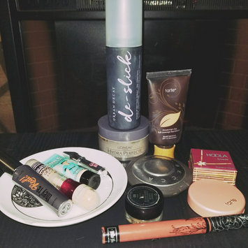 Urban Decay De-Slick Oil-Control Makeup Setting Spray uploaded by Caitlin H.