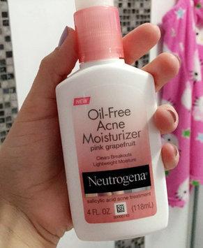 Neutrogena Oil-Free Acne Moisturizer uploaded by Greisy C.