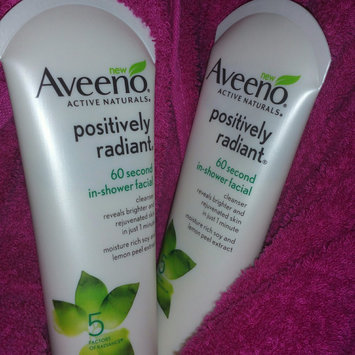 Aveeno Positively Radiant 60 Second In-Shower Facial Cleanser uploaded by Brandy W.
