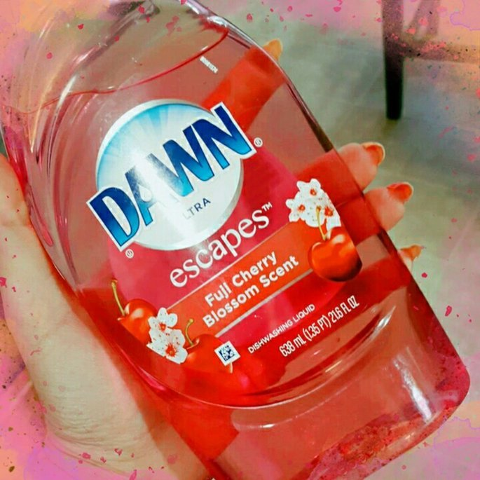 Dawn Escapes Dishwashing Liquid Thai Dragon Fruit uploaded by Alisha B.