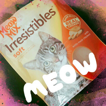 Photo of 3.0oz Meow Mix Irresistibles Treat Soft With Real White Meat Chicken uploaded by Alisha B.