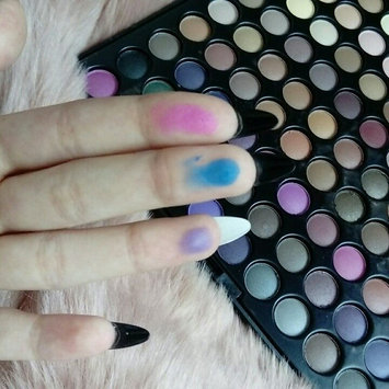 Photo of BH Cosmetics Urban Luxe - 99 Color Eyeshadow Palette uploaded by Nela K.