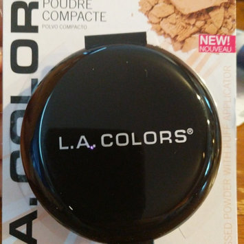 Photo of L.A. Colors Pressed Powder uploaded by Andreina T.