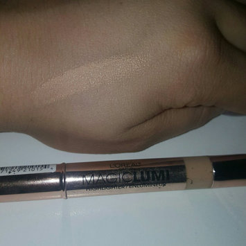 Photo of L'Oréal Paris MAGIC by Studio Secrets Magic Lumi Highlighting Concealer uploaded by BrieAnne B.