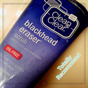 Clean & Clear Blackhead Eraser uploaded by Trina J.