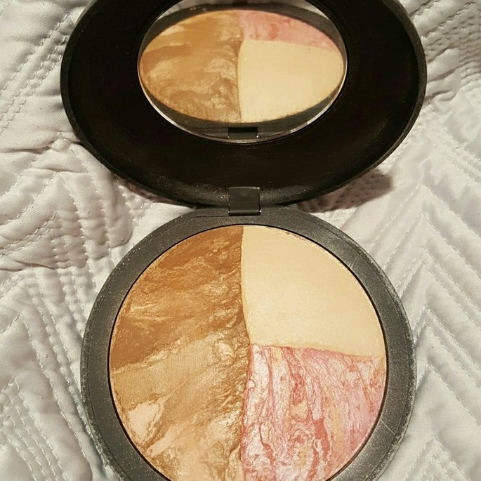 Laura Geller Beauty Laura Geller Baked Color & Contour Palette With Double-Ended Applicator uploaded by Robin W.